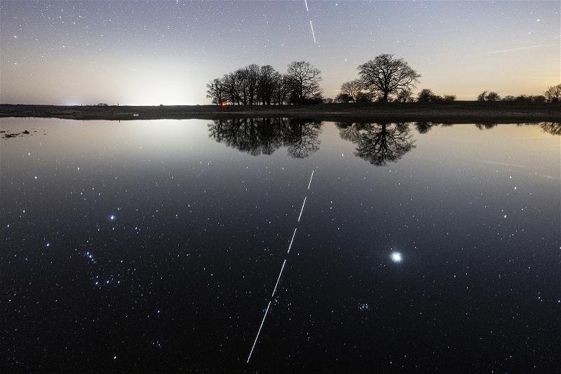ISS-Lighttrail-Reflection