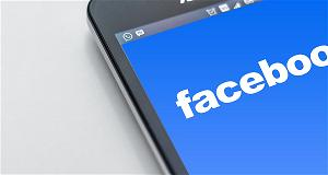 mark-zuckerberg-ye-u-ca-u-cac-quan-ly-facebook-chi-dung-die-n-thoai-android