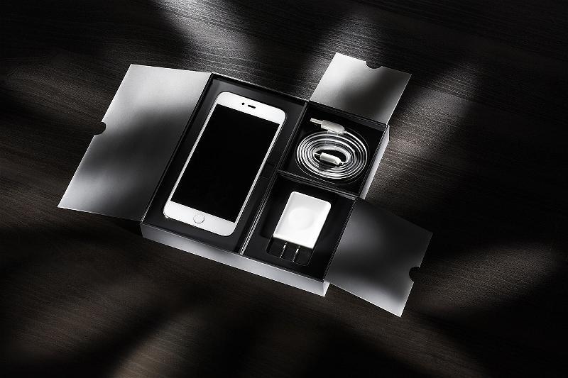 CEO Tim Cook Khẳng Định iPhone Được Sản Xuất Tại Mỹ Chứ Không Phải Trung Quốc