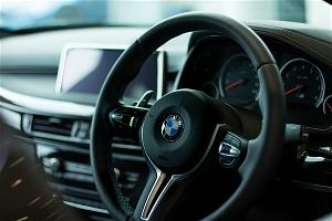 bmw-se-ngung-thu-phi-khach-hang-su-dung-apple-carplay